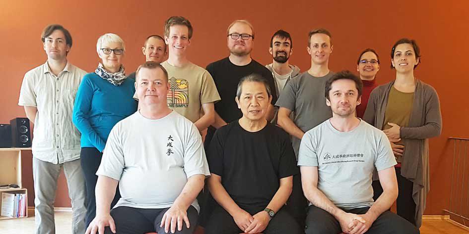 Gruppenfoto der Teilnehmer am Lehrgang mit Sifu Lam Kam Chuen am 27.10.2018 und 28.10.2018 in Nürnberg